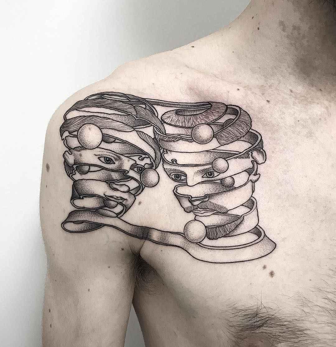 Тату мастер Michele Volpi, черно-белая сюрреалистическая татуировка   Италия