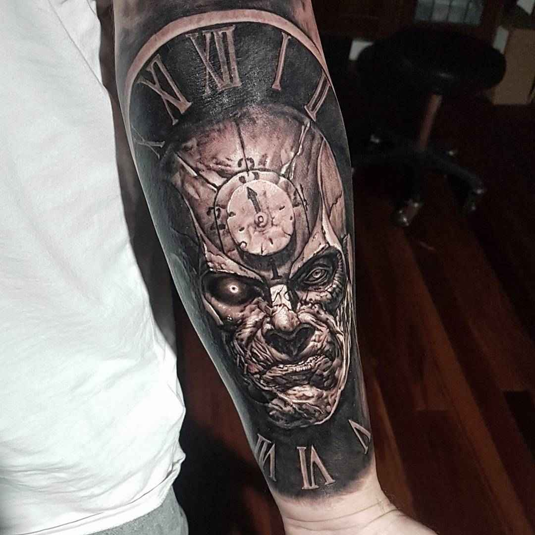 Tattoo Artists In Melbourne: Tattoo Artist Hokowhitu Sciascia