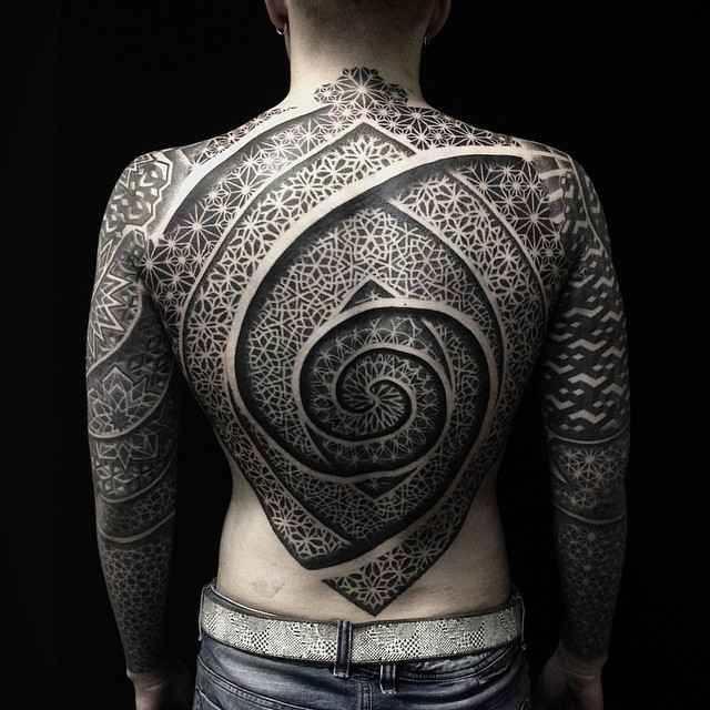 Тату мастер Иван Hack, черная орнаментальная татуировка   Москва, Россия