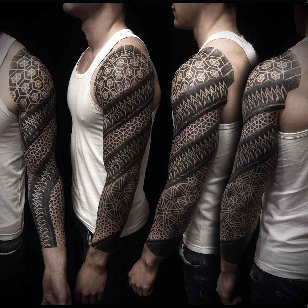 tattoo artist ivan hack moscow russia inkppl tattoo magazine. Black Bedroom Furniture Sets. Home Design Ideas