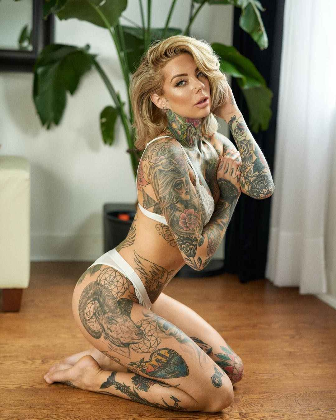 Inked sexy and nude women, girl asian ritual