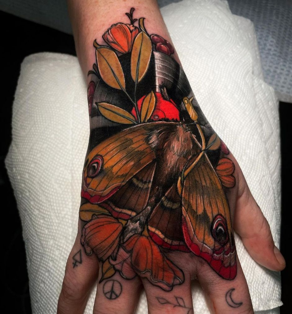 Delightful neo-traditional tattoo by Shae Motz
