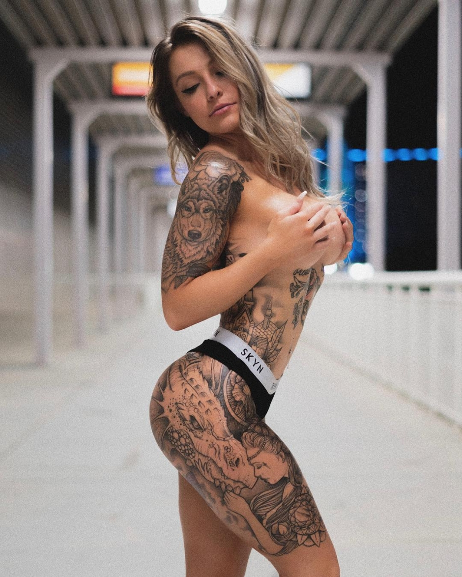 Tattooed model Rose - Girl with the Dragan Tattoo, alternative model, girl with tattoo | USA