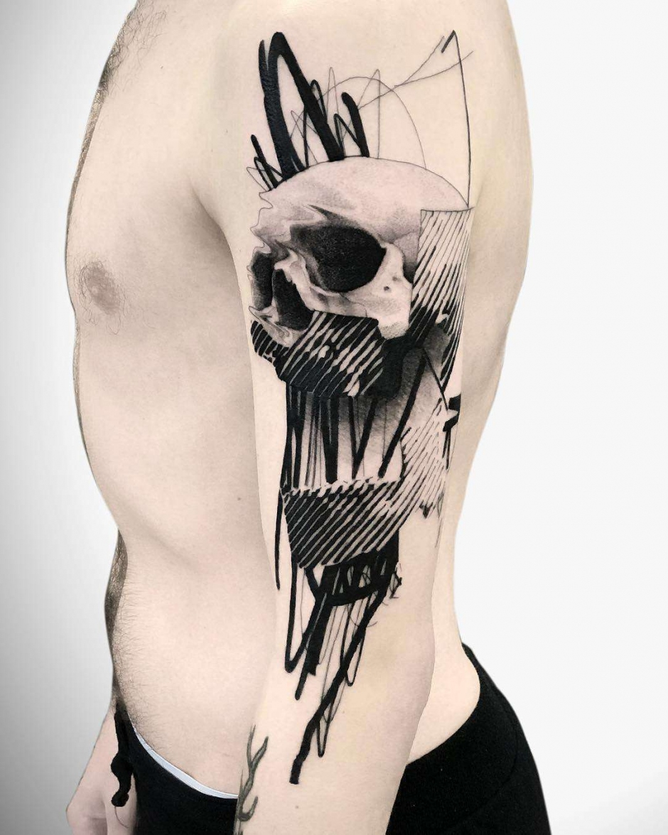 Tattoo artist Caio Miguel, black authors style surrealistic tattoo realism | Brazil