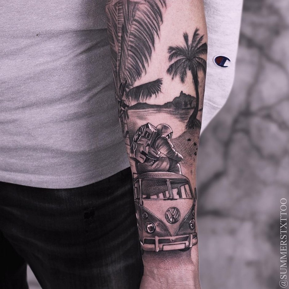 Tattoo artist Evan Summers, black dotwork realistic tattoo | Russia, Indonesia