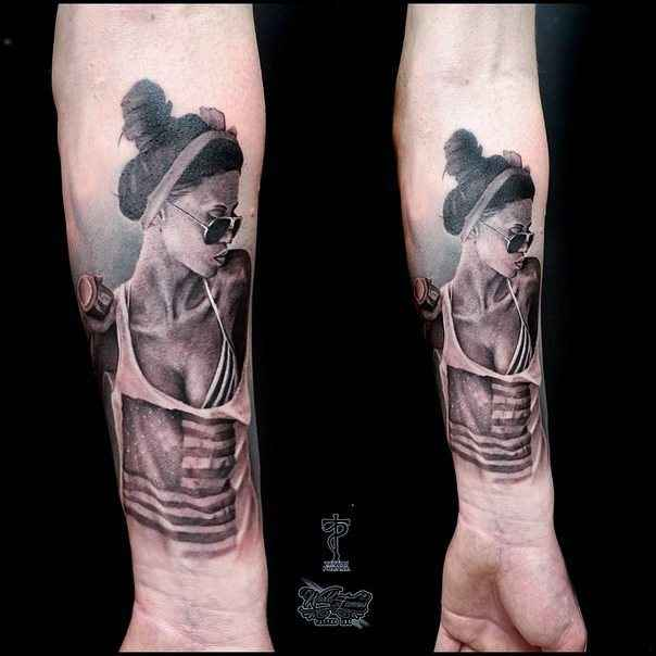Tattoo artist Alexandr Litvinov