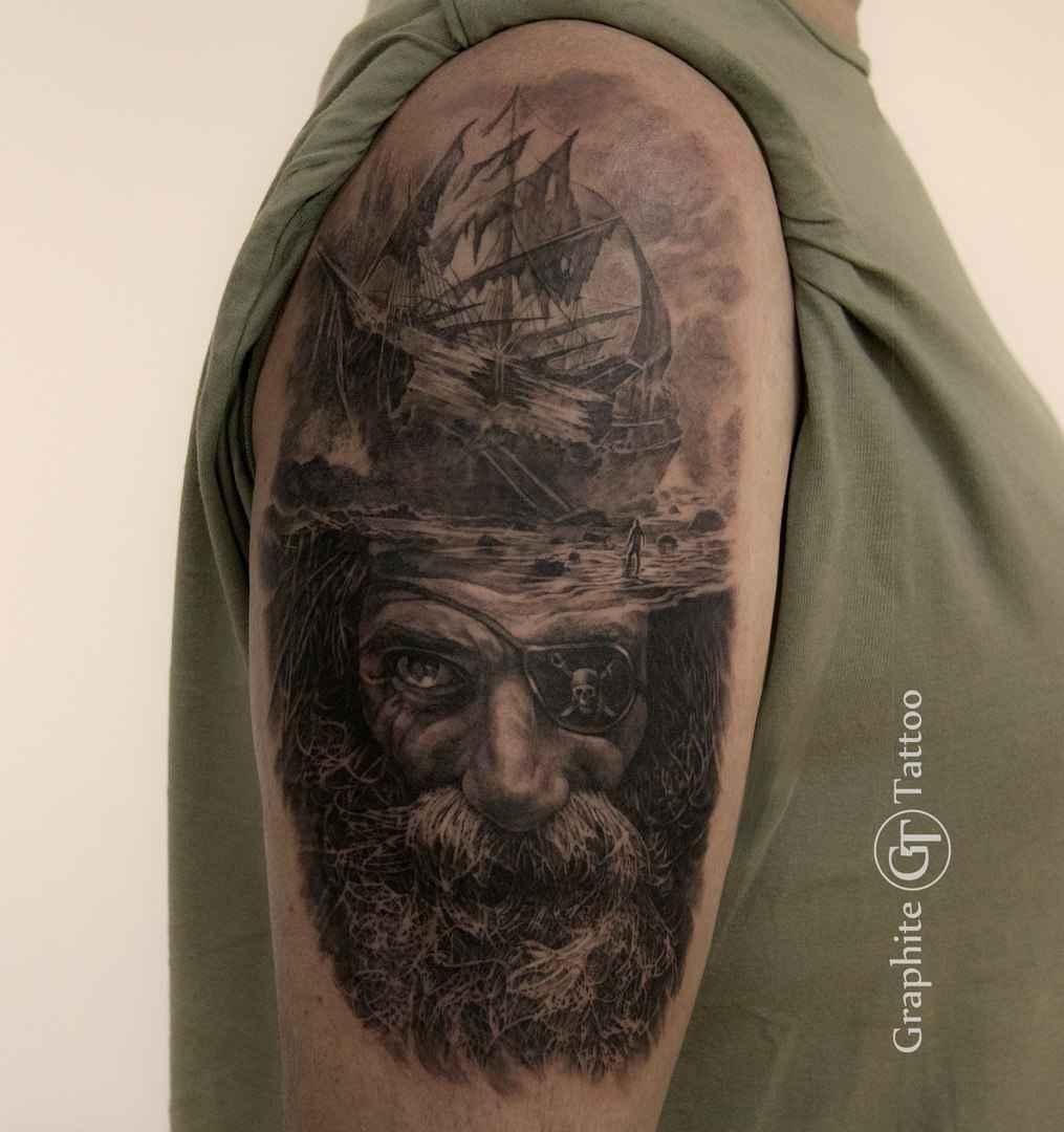 Tattoo artist Andrey Lukyanov