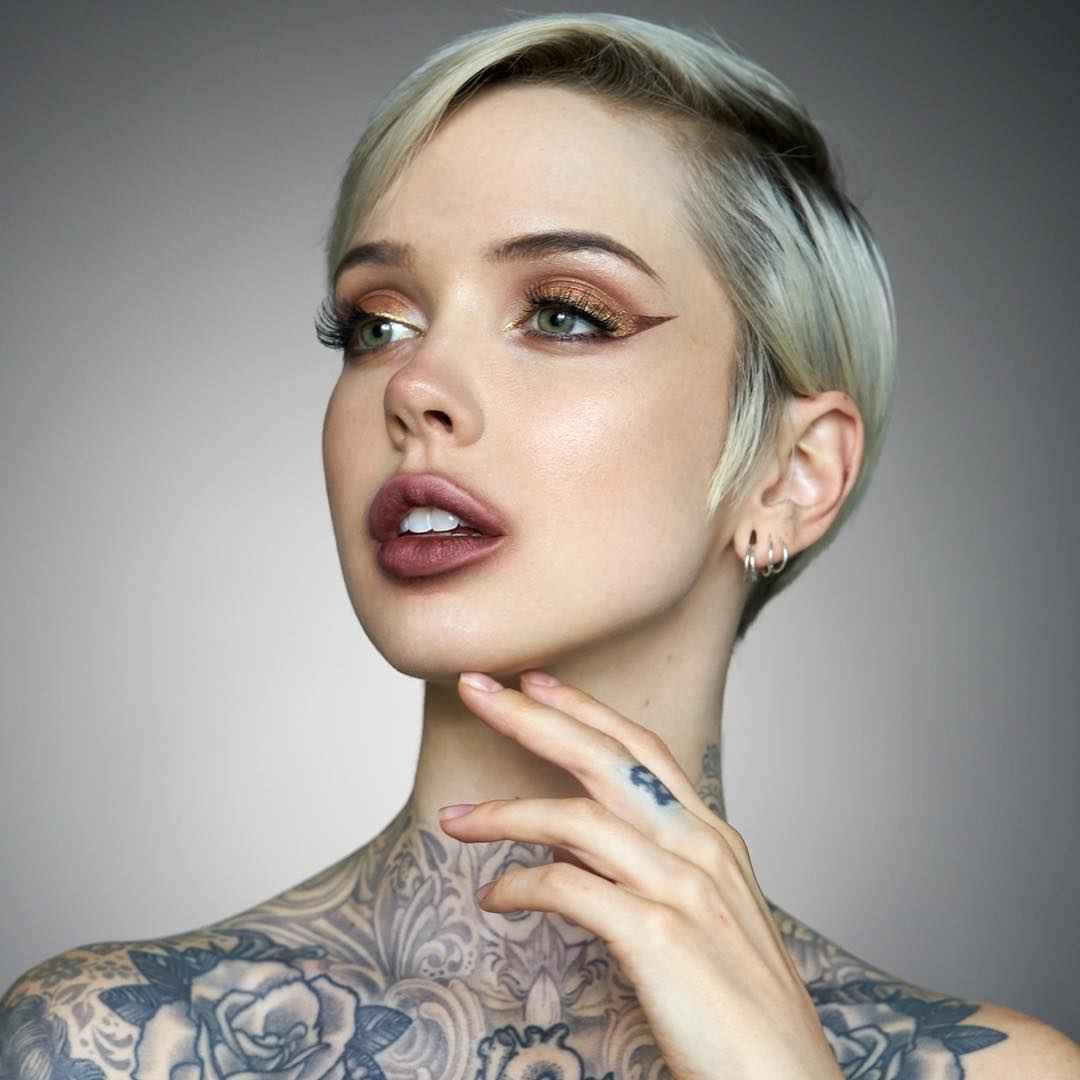 tattoo model sara x mills. Black Bedroom Furniture Sets. Home Design Ideas