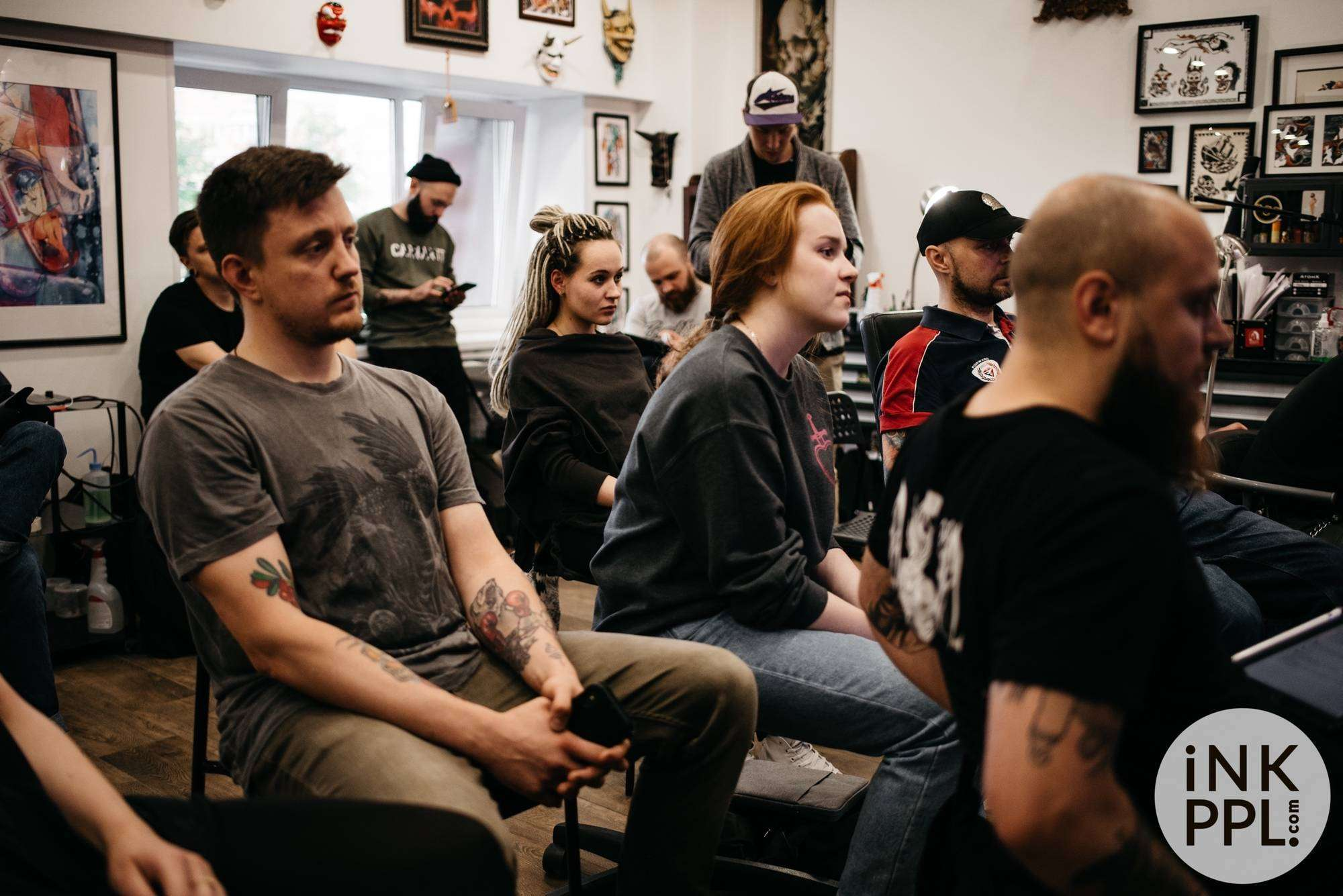 On June 9th, the iNKPPL Tattoo Magazine team, together with the Tattoo Pharma, attended the first discussion panel format event at the Bugpin Tattoo studio in Moscow, during which Maxim Titanic Kislitsyn and Oleg Turyansky shared their thoughts about tattoo culture, art, modern tattoos and technical aspects of tattooing with guests .